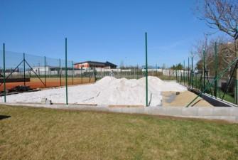 Navážení písku (15. 4. 2015)
